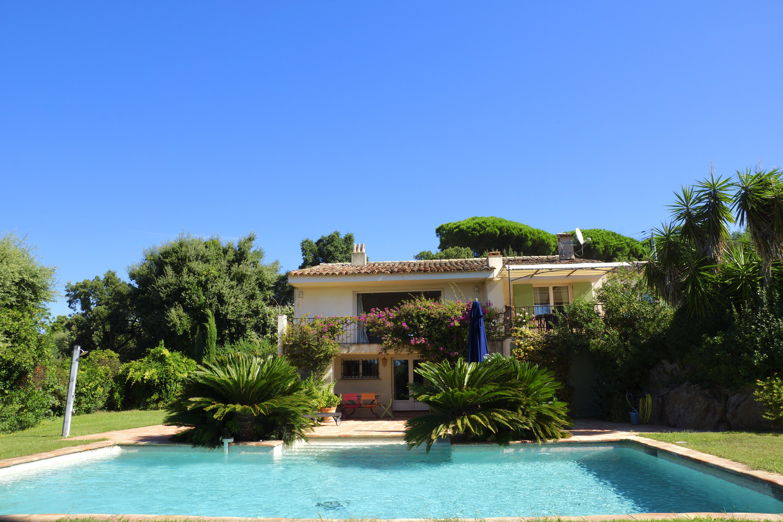 Jolie villa provençale au calme