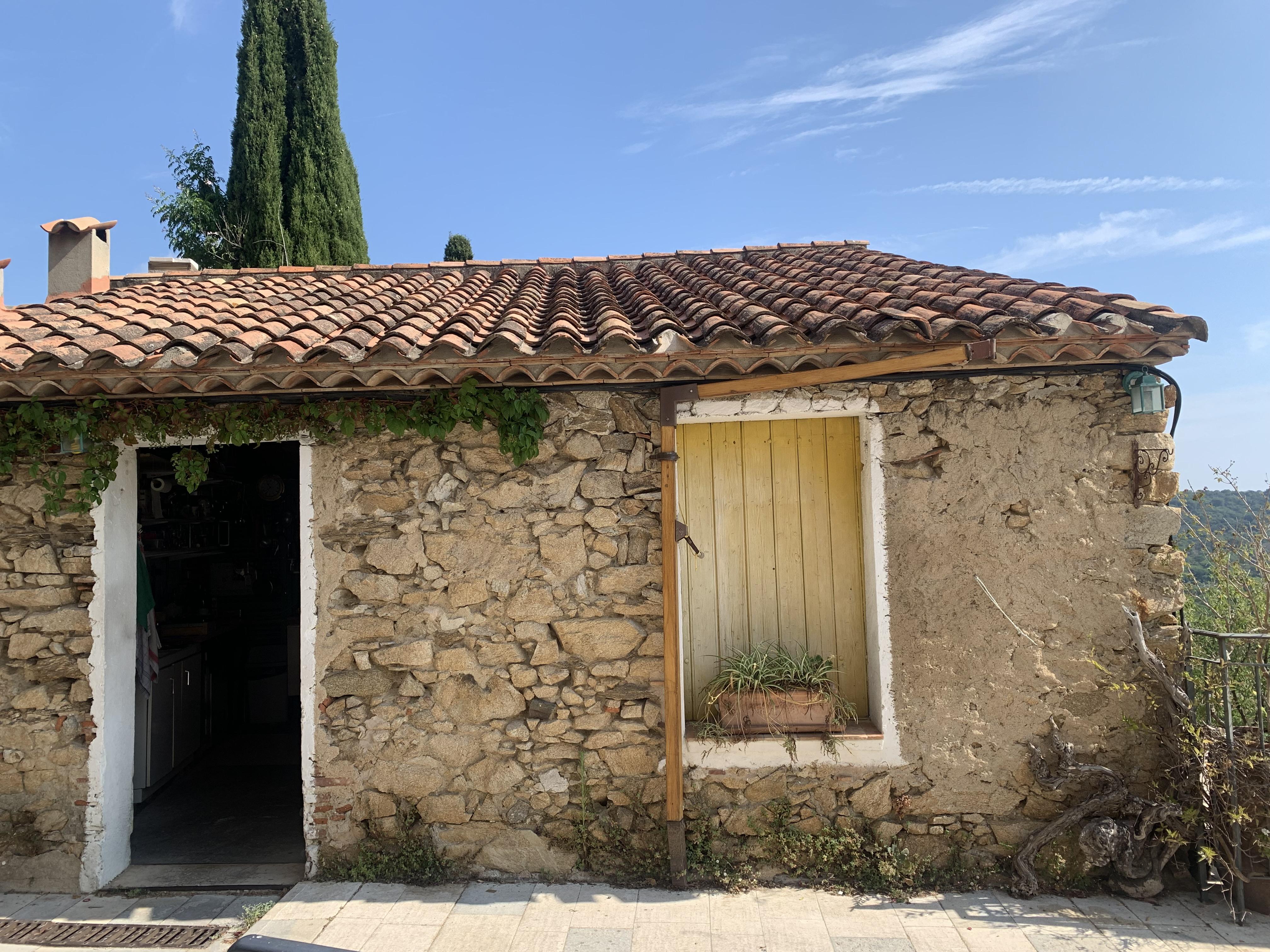 Maison à rénover au cœur du village